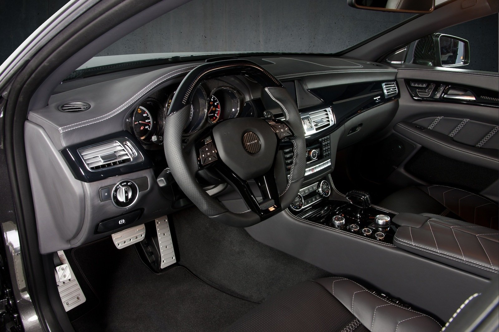 http://pictures.topspeed.com/IMG/crop/201203/2012-mercedes-cls63-amg-b_1600x0w.jpg