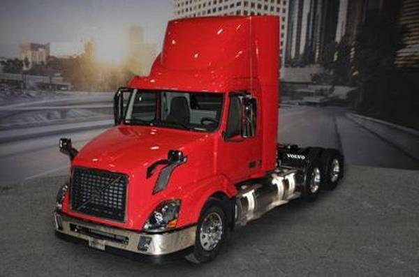 natural gas-powered volvo vnl picture