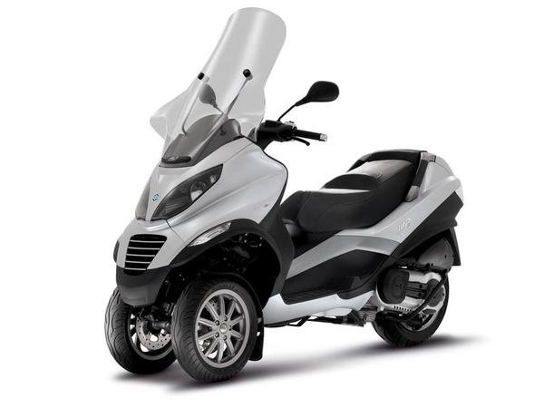 2012 piaggio mp3 400 motorcycle review top speed. Black Bedroom Furniture Sets. Home Design Ideas