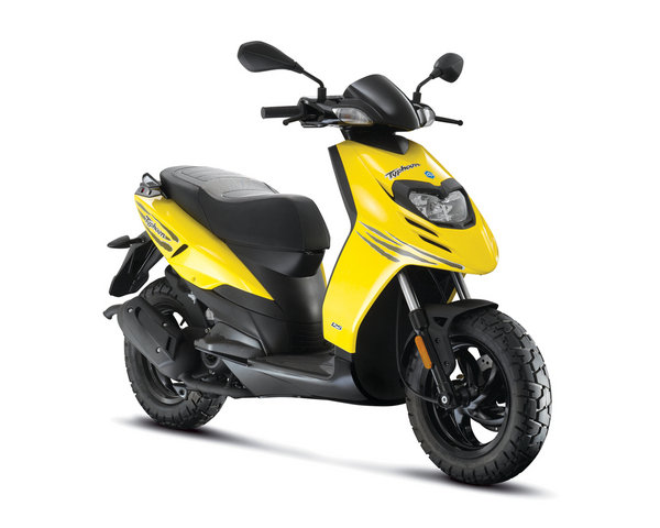 2012 piaggio typhoon 125 review - top speed