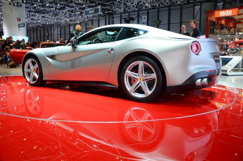 2013 ferrari f12 berlinetta gallery 441799 top speed. Black Bedroom Furniture Sets. Home Design Ideas