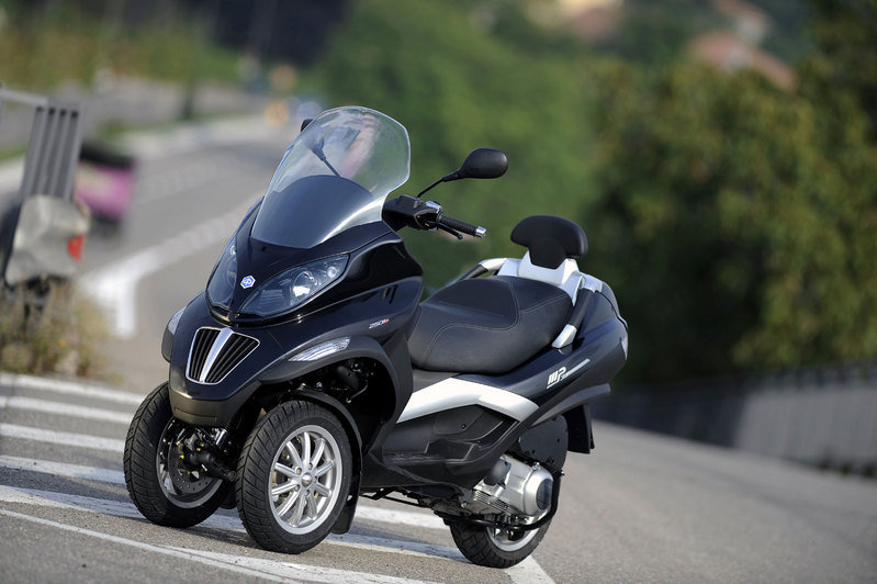 piaggio motorcycles models prices reviews news. Black Bedroom Furniture Sets. Home Design Ideas