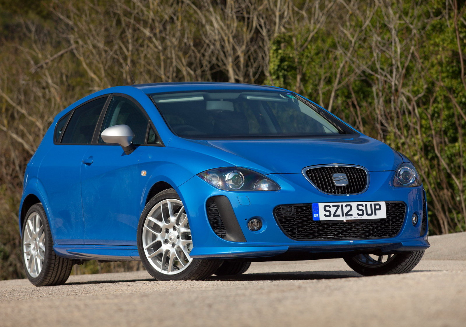 2012 seat leon fr supercopa review top speed. Black Bedroom Furniture Sets. Home Design Ideas