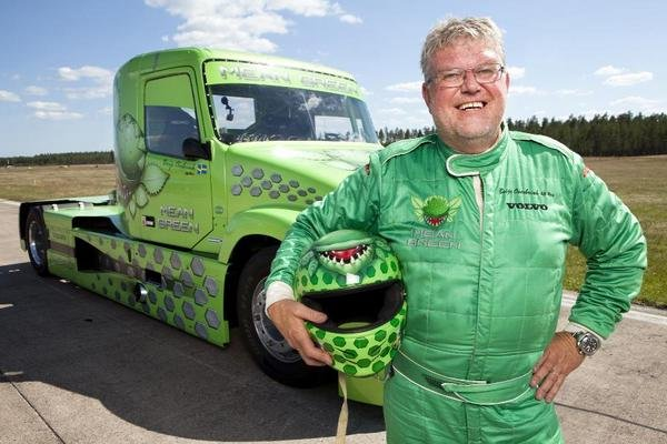 volvo s mean green attempts to break the world speed record picture
