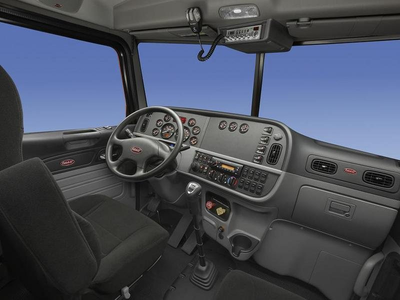 2007 Peterbilt 365 Interior - image 446419