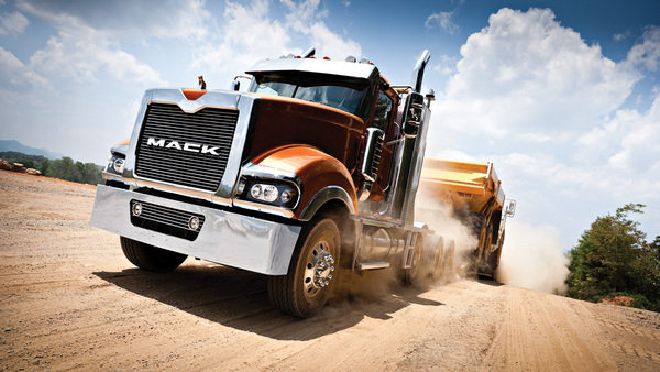 mack titan picture