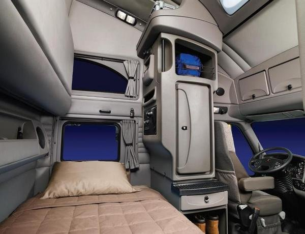 2010 kenworth t700 truck review top speed for Camion americain interieur