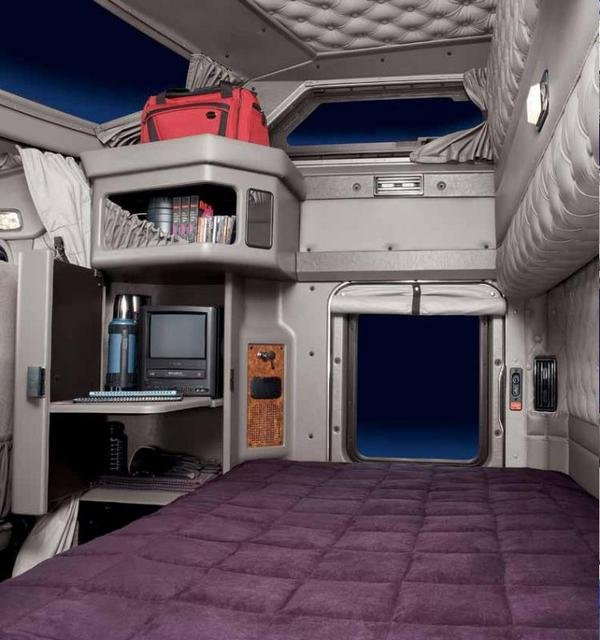Kenworth Studio Sleepers Interior Pictures To Pin On Pinterest Pinsdaddy