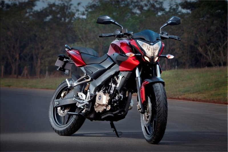 2012 Bajaj Pulsar 200 NS High Resolution Exterior Wallpaper quality - image 450501