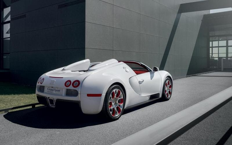 2012 bugatti veyron grand sport wei long review top speed. Black Bedroom Furniture Sets. Home Design Ideas