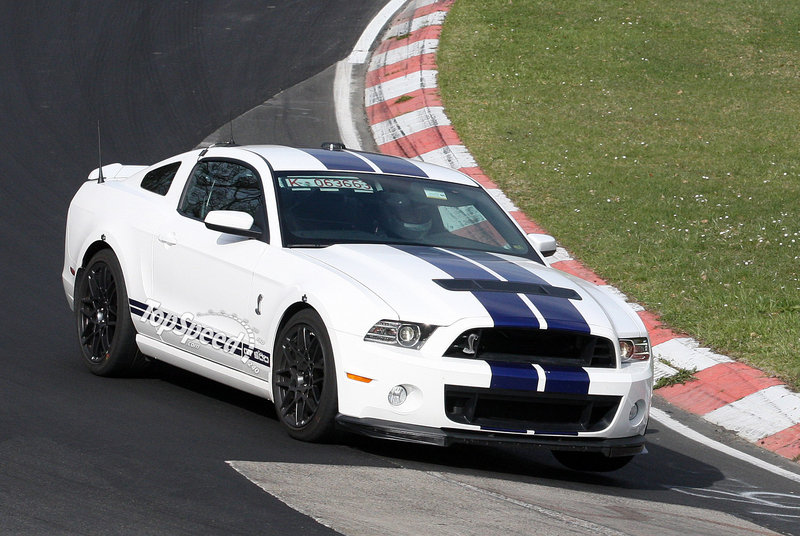 2013 Ford Mustang Shelby GT500 Exterior Spyshots - image 451825