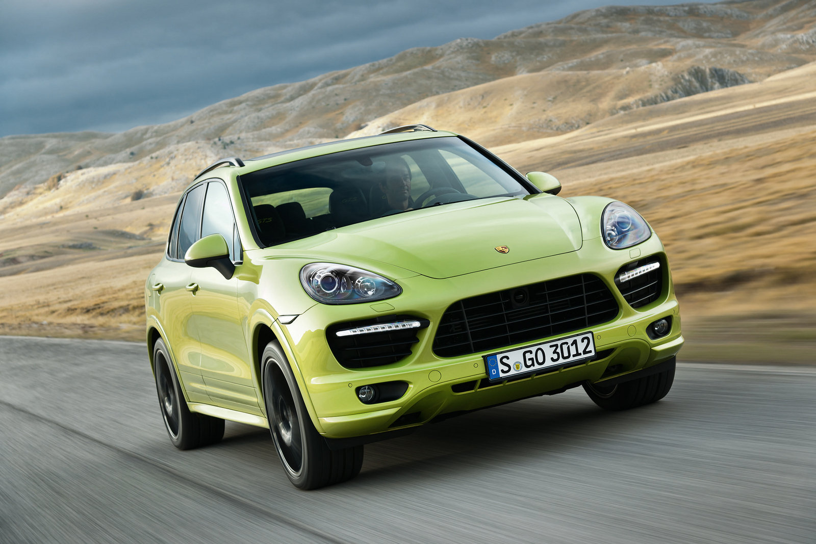 2013 porsche cayenne gts review top speed. Black Bedroom Furniture Sets. Home Design Ideas