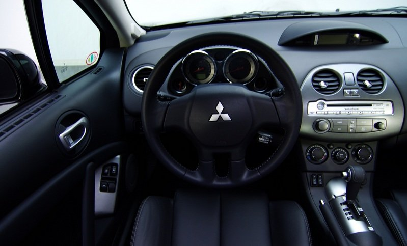 2012 Mitsubishi Eclipse SE Final Model Interior - image 456078