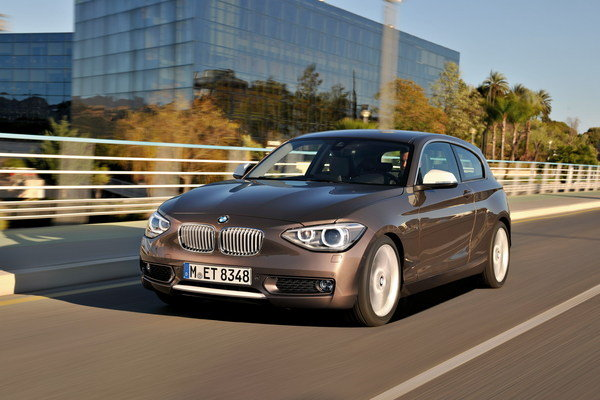 2013 bmw 1 series 3 door car review top speed for 135i 3 door