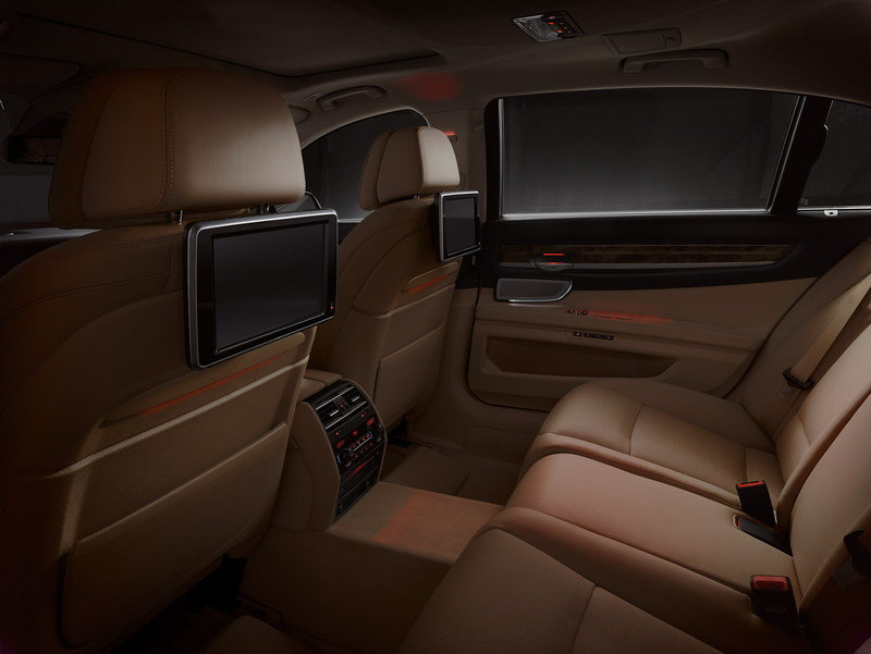 2013 BMW 7-Series Interior - image 457308