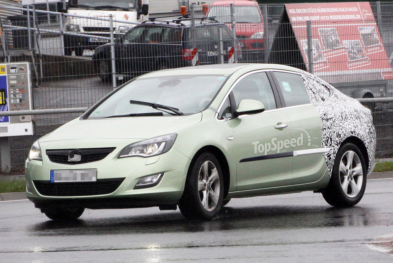 Spy shots: 2013 Opel Astra Sedan caught testing one more time