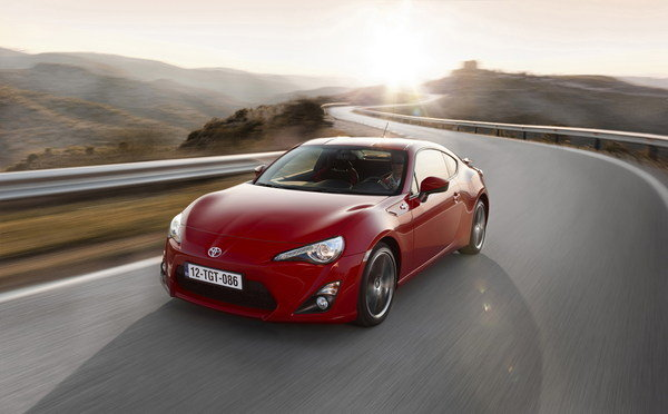 2013 Toyota GT 86 | car review @ Top Speed