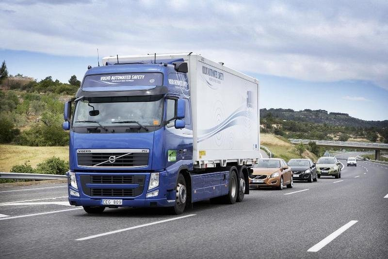 A Volvo FH led a platoon on vehicles as part of the SARTRE project