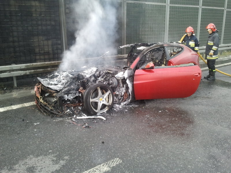 Ferrari FF Goes On Fire In Poland