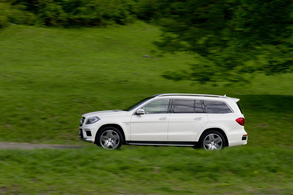 2013 mercedes gl63 amg car review top speed for Mercedes benz gl63 price
