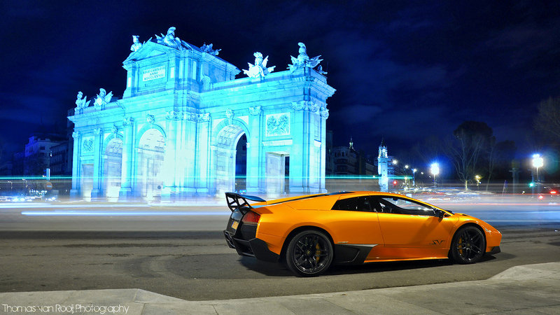 Photo of the Week: 2010 Lamborghini Murcielago LP670-4 SV & Girls