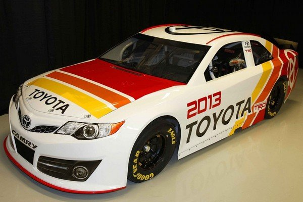http://pictures.topspeed.com/IMG/crop/201205/toyota-camry-nascar_600x0w.jpg