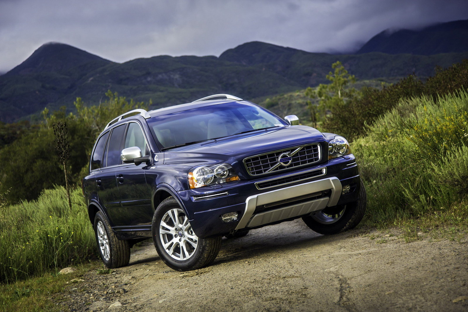 2013 volvo xc90 review top speed. Black Bedroom Furniture Sets. Home Design Ideas