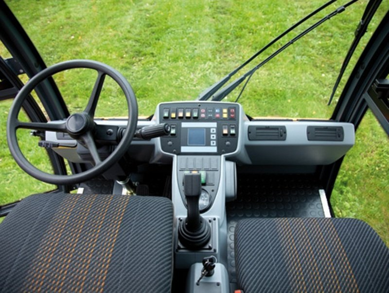 2010 Multicar Tremo Interior - image 460385