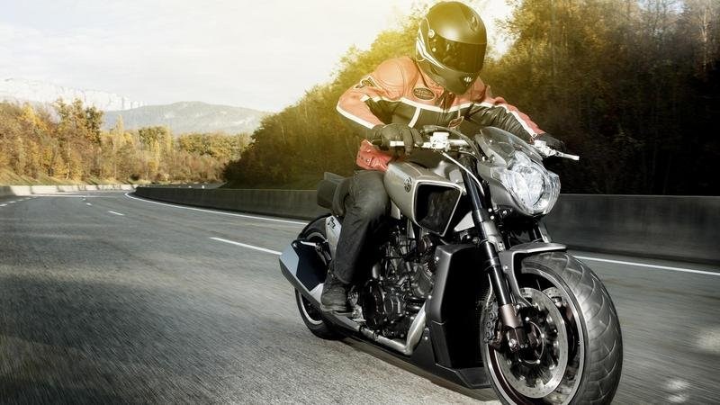 2011 Yamaha V-MAX Hyper Modified by Ludovic Lazareth