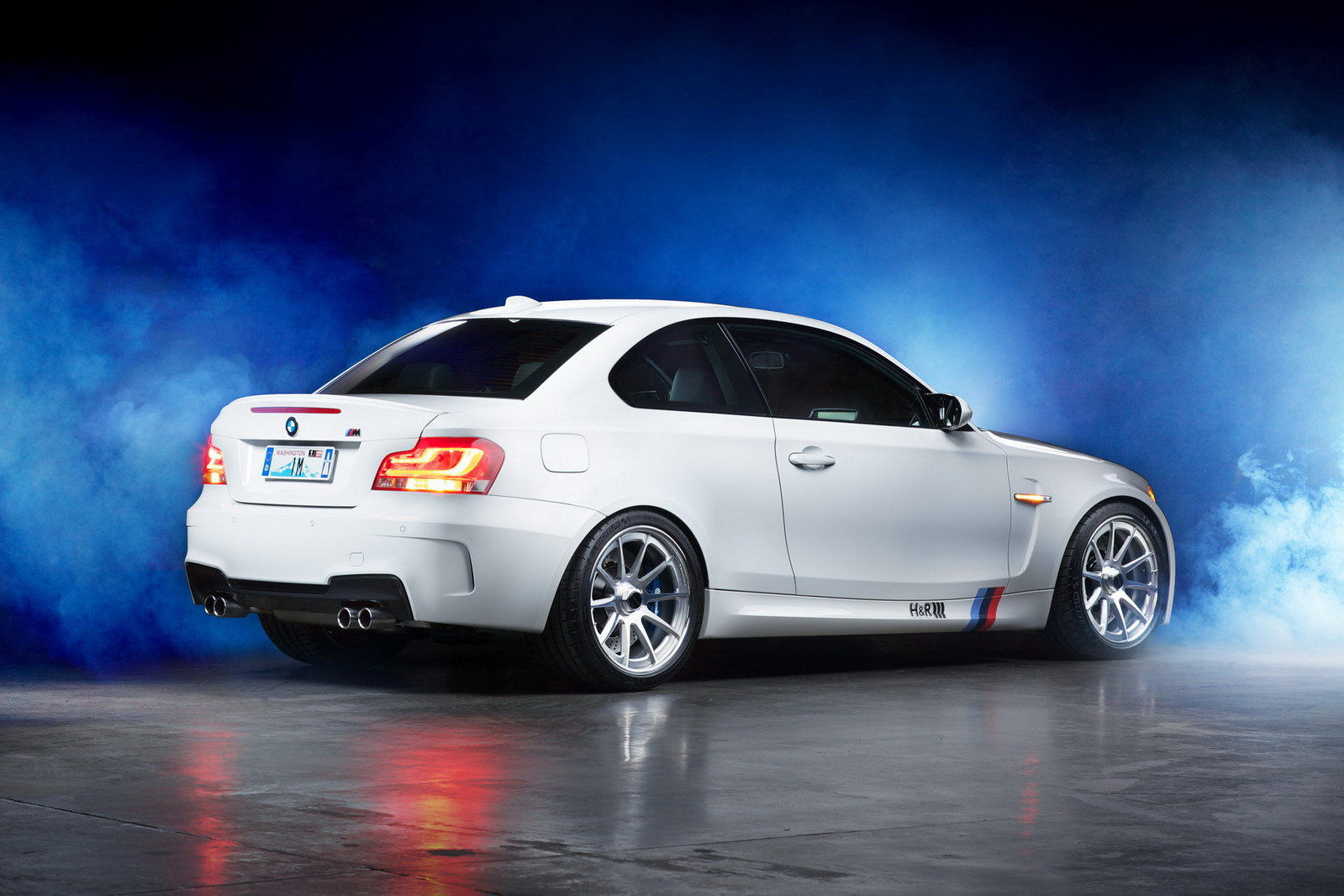 http://pictures.topspeed.com/IMG/crop/201206/free-bmw-1m-poster-f_1600x0w.jpg