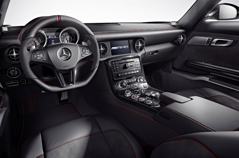 2013 Mercedes-Benz SLS AMG GT High Resolution Interior - image 458742