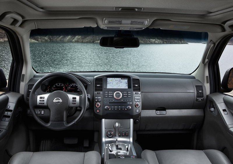 2010 Nissan Navara High Resolution Interior - image 464248