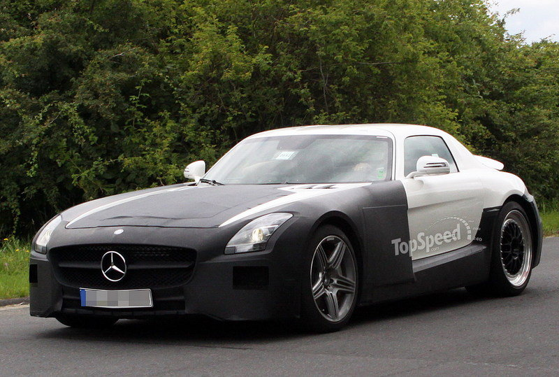 Spy Shots: Mercedes SLS AMG Black Series goes testing in white