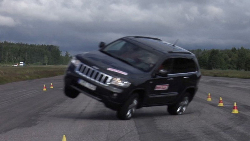 2012 Jeep Grand Cherokee fails in Evasive Maneuver Test...Or does it?? (UPDATE)