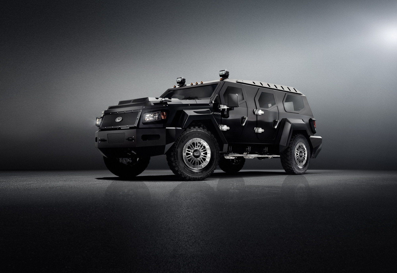 http://pictures.topspeed.com/IMG/crop/201208/conquest-evade-1_1600x0w.jpg