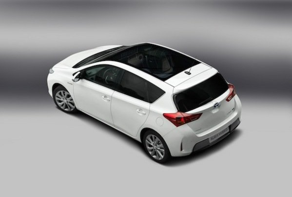 2013 toyota auris hatchback car review top speed. Black Bedroom Furniture Sets. Home Design Ideas