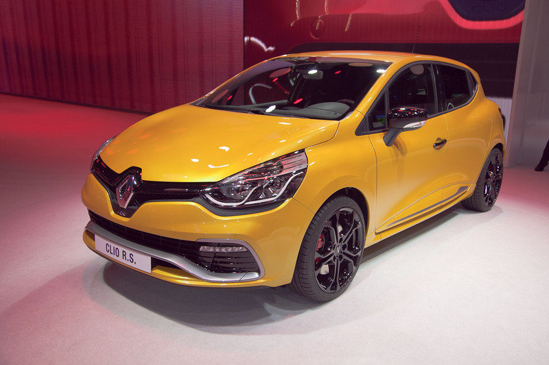 2013 renault clio rs 200 turbo review top speed. Black Bedroom Furniture Sets. Home Design Ideas