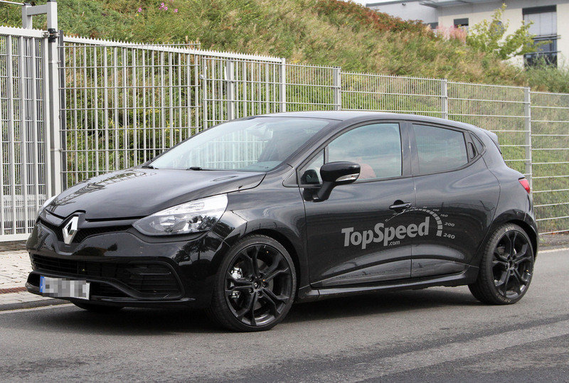 Spy Shots: Renault Clio RS Stripped of its Camouflage