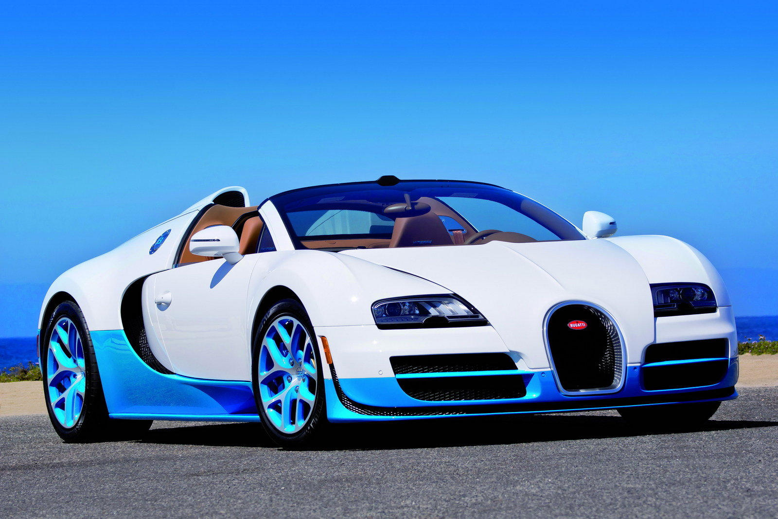 2012 bugatti veyron 16 4 grand sport vitesse bianco and new light blue review top speed. Black Bedroom Furniture Sets. Home Design Ideas