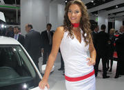 Car Girls of the 2012 Paris Auto Show - image 475593