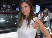 Car Girls of the 2012 Paris Auto Show - image 475495