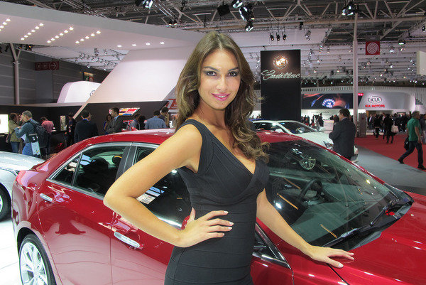 car girls of the 2012 paris auto show picture