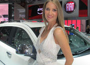 Car Girls of the 2012 Paris Auto Show - image 475502