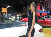 Car Girls of the 2012 Paris Auto Show - image 475523