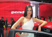 Car Girls of the 2012 Paris Auto Show - image 475489