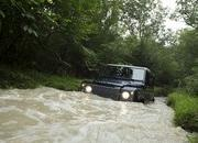2013 Land Rover Defender - image 470986