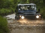2013 Land Rover Defender - image 470985
