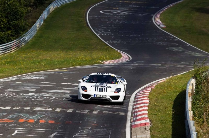Porsche 918 Spyder Hits 7:14 Lap Time at the Nurburgring Exterior - image 474164