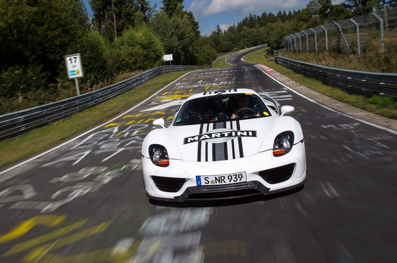 Porsche 918 Spyder Hits 7:14 Lap Time at the Nurburgring High Resolution Exterior - image 474165