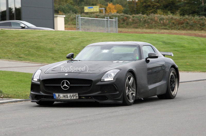 Spy Shots: 2014 Mercedes SLS AMG Black Series Reveals its Front End
